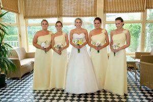 Lisa and her bridesmaids